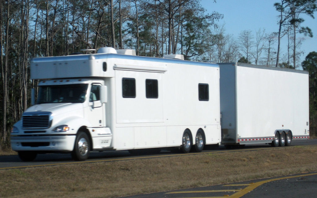 Buying Used Class A Rvs From The Owner-advantage Buyers.