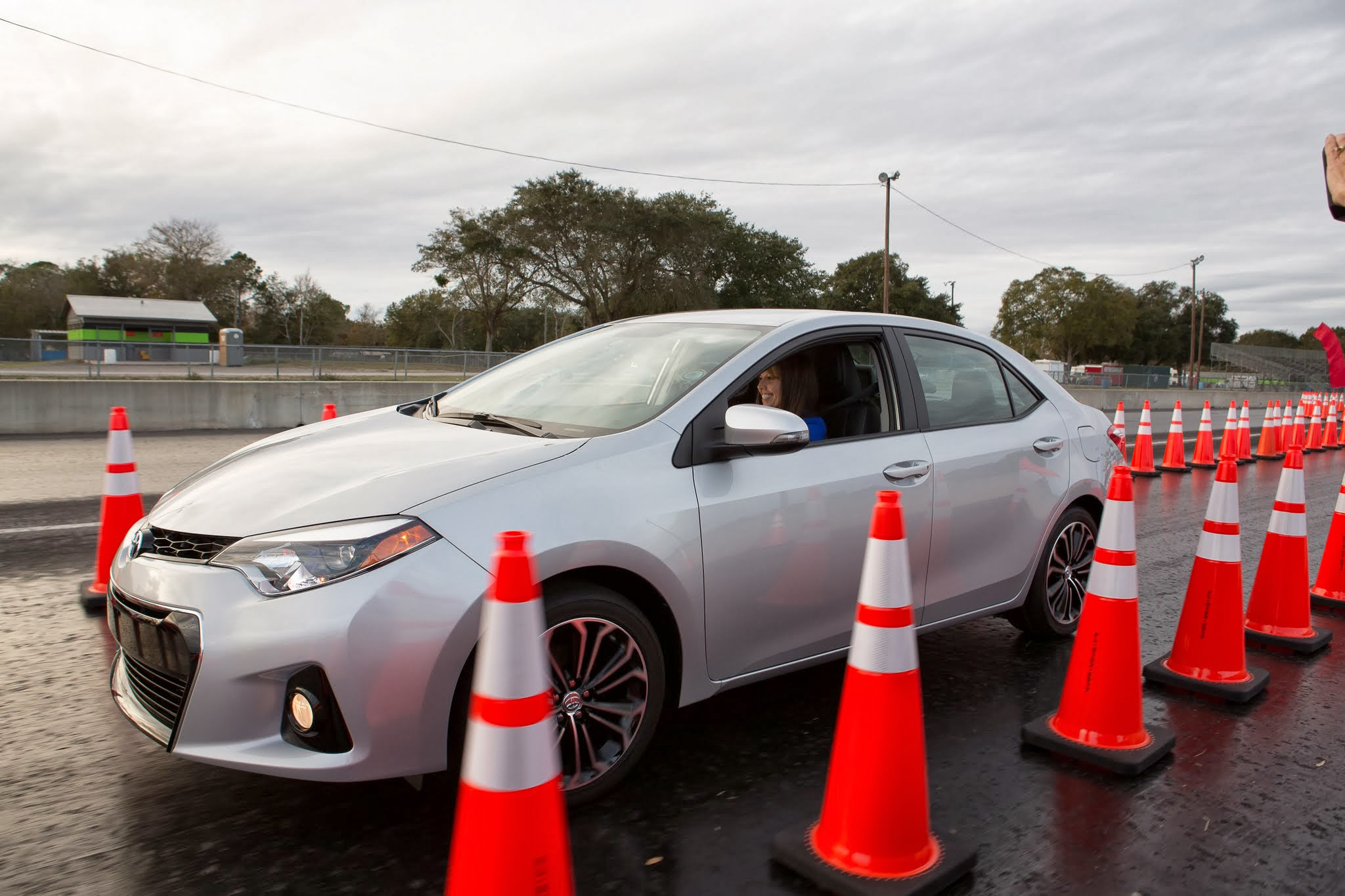 Important Points To Consider When Looking For A Professional Driving School in Glasgow