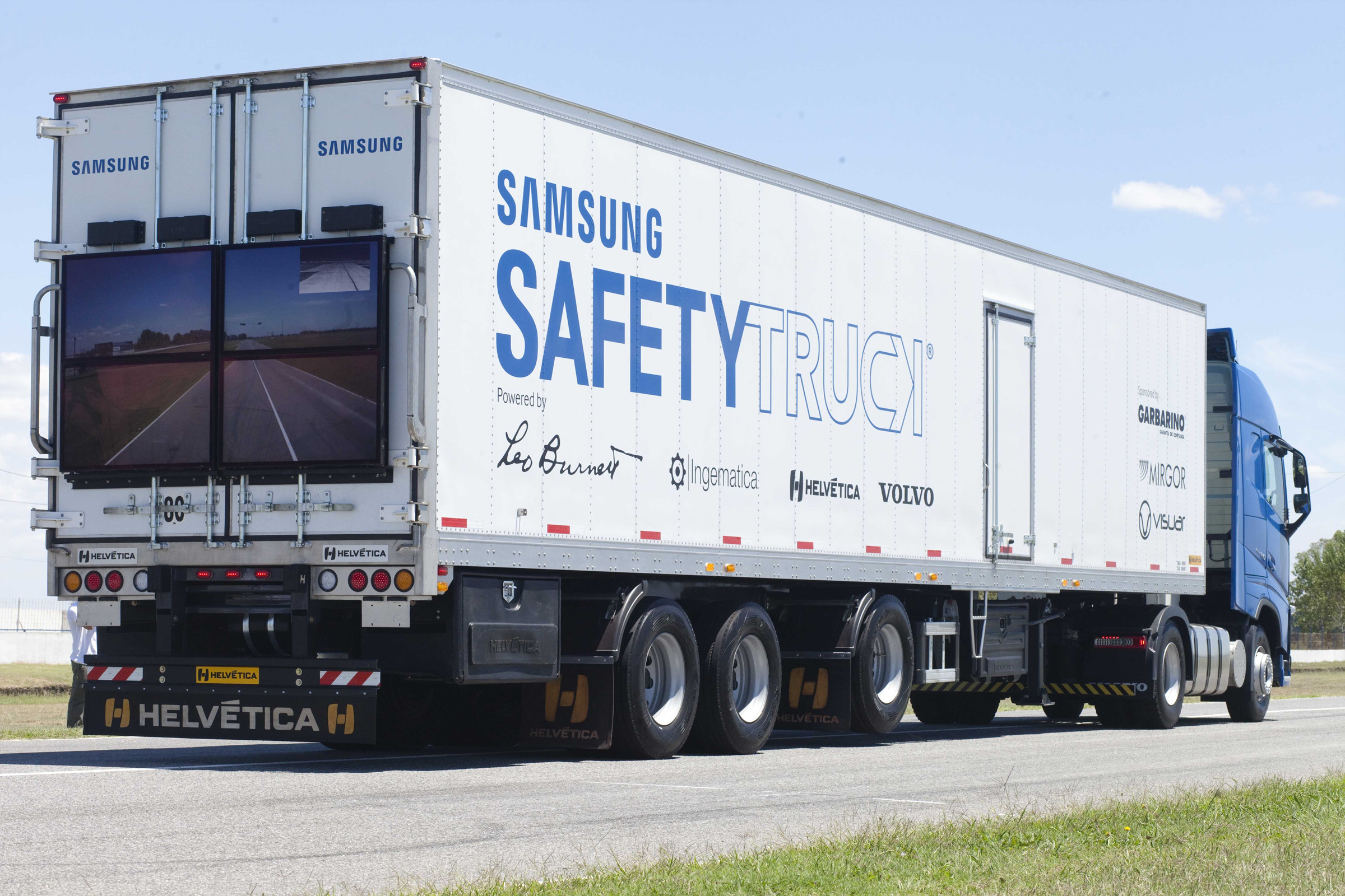 Utility Fleet Featured in Telecom & Utility Construction